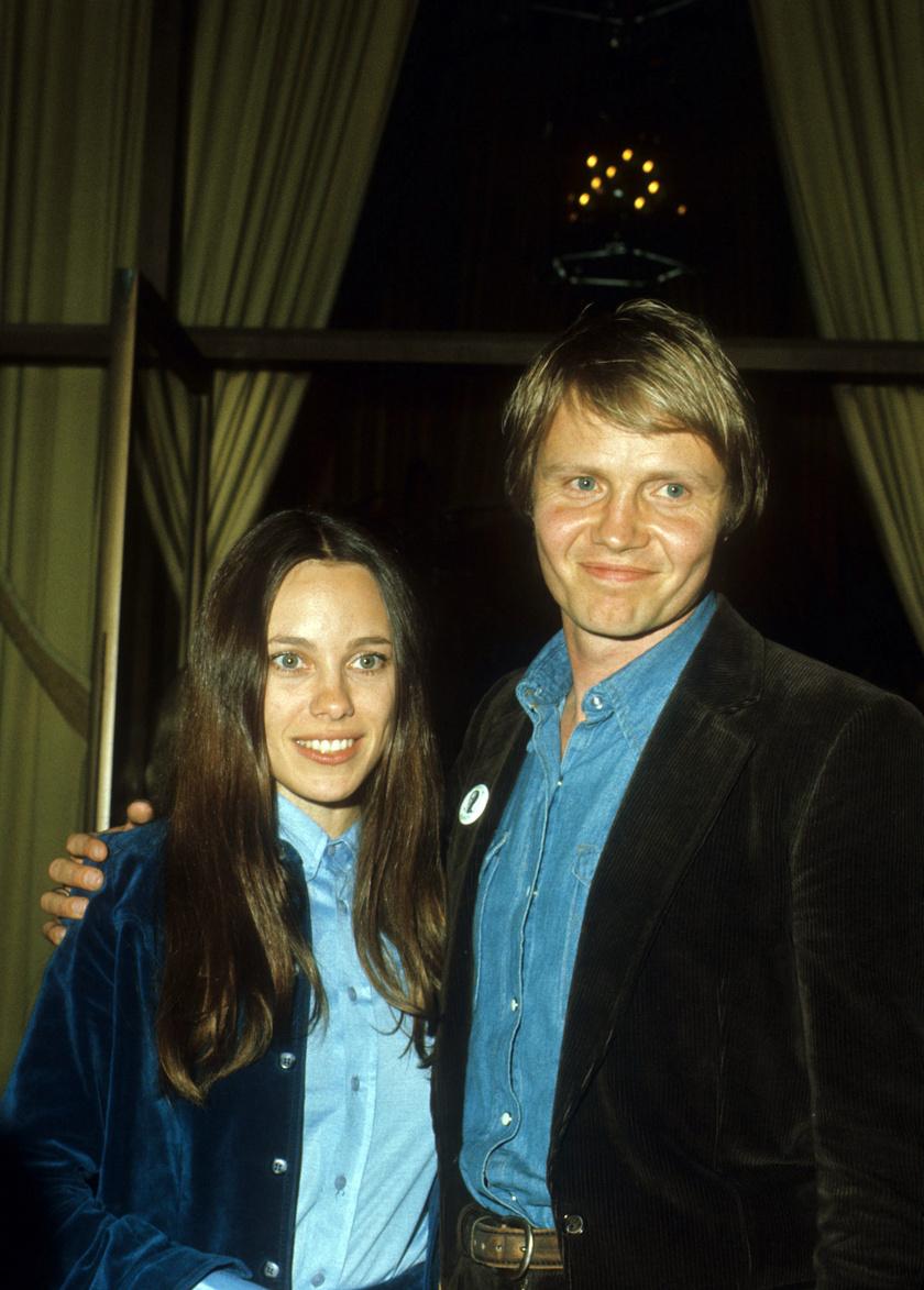 Angelina Jolie szülei a '70-es években.