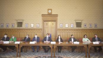 Az ellenzéki összefogás hat pontban rögzítette a közös kormányzás alapelveit