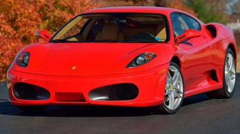 Ismét eladó Trump egykori Ferrarija