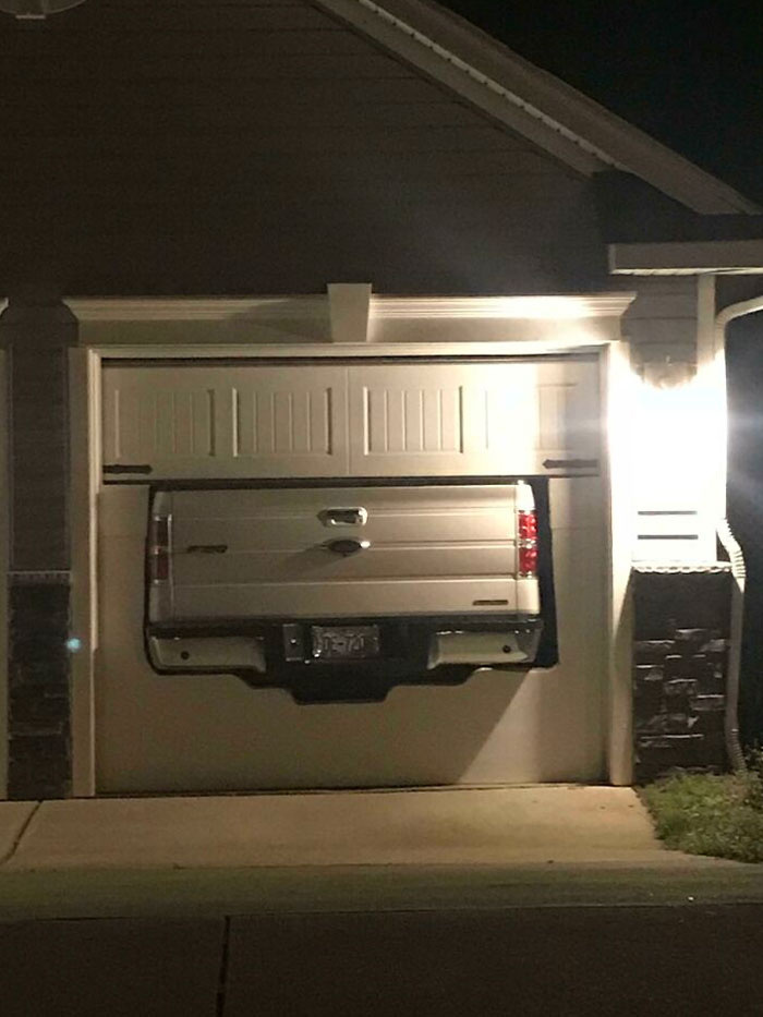 Szép garázs, szép nagy Ford, csak nem voltak kompatibilisek egymással. Elsőre.