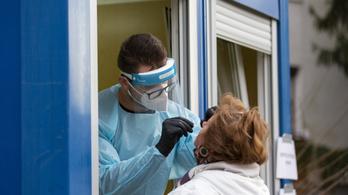 Koronavírus: több mint a duplájára emelkedett az új fertőzöttek száma