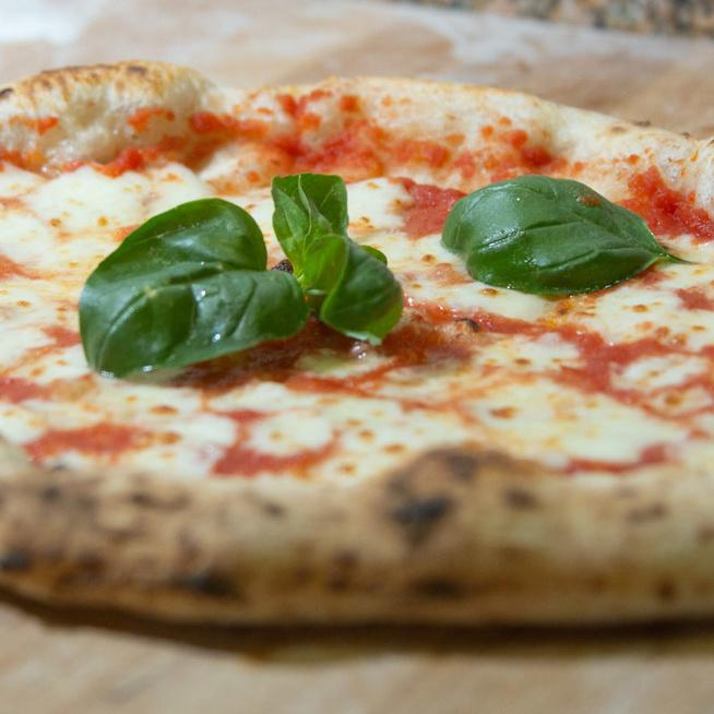 Miben mások a nemzetek pizzái? Nápolyban és Rómában is más az autentikus recept