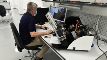 Mikroszkópgyár létesült Budapesten