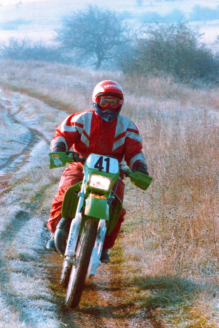Magyar Dakar ralinak is hívták az egykori vadkereskedelmi vállalat által szponzorált MAVAD Ralit. Persze az elnevezés túlzó, dez igaz volt, hogy napokon keresztül és kizárólag terepen, illetve földúton kellett motorozni. Azért nagy élmény volt egy Kawasaki KDX 125-össel is