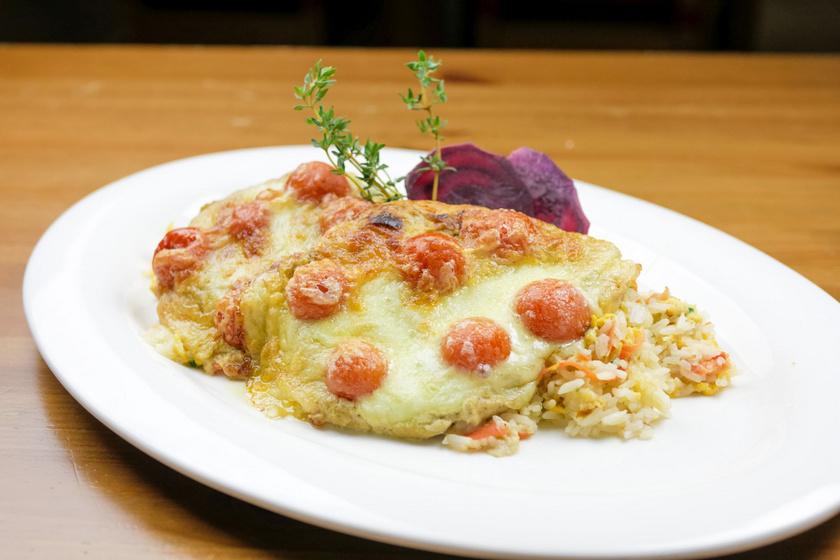 Tepsis paradicsomos csirkemell sok sajttal: szaftos, omlós fogás