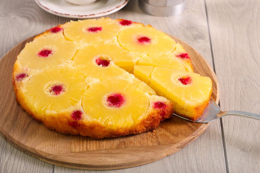 Ananászos fordított torta: a tésztája olyan puha, mint a piskótáé
