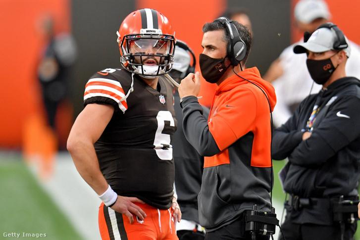 Baker Mayfieldnek (balra) Kevin Stefanski nélkül kell villognia a kőkemény Steelers-védelem ellen