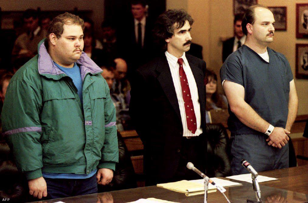 Eckhardt (balra) és Smith (jobbra) a bíróságon