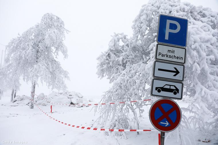 Kahler Asten: itt csak a parkolót zárták le, jelzésértékkel