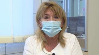 Győri osztályvezető főorvos: nem észleltek korai szövődményeket a beoltottaknál