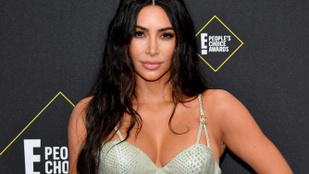 Kanye West kocsikat ajándékozott a feleségének, aki újra viselte a gyűrűjét