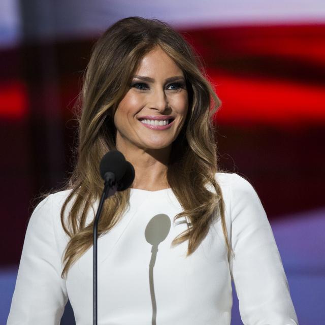 Melania Trump tűzpiros estélyiben hercegnőként tündökölt: first ladyként ezek voltak a legszebb ruhái