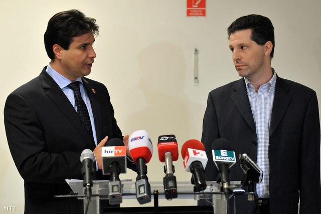 Mesterházy Attila és Schiffer András közös sajtótájékoztatón ismertetik javaslatukat házszabályok módosítására