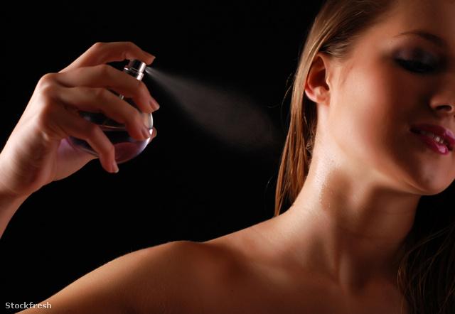 stockfresh 1053423 womanand-bottle-of-perfume sizeM
