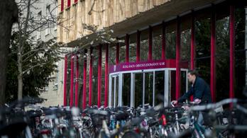 Alapítványi fenntartásba kerülhet a Pécsi Tudományegyetem is