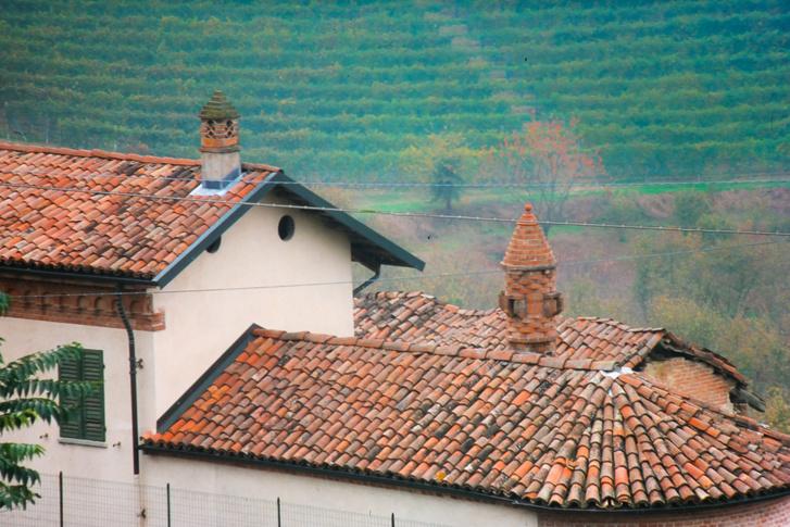 Genovától északra járunk, Piemontéban, melynek a központja Torino