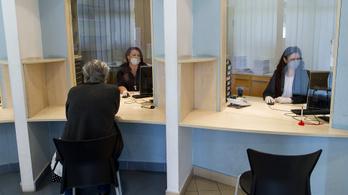 Évi másfél millió államigazgatási ügy intézése vált ingyenessé Magyarországon