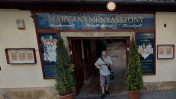Wichmann kocsmája után lebontják a Márványmenyasszonyt is