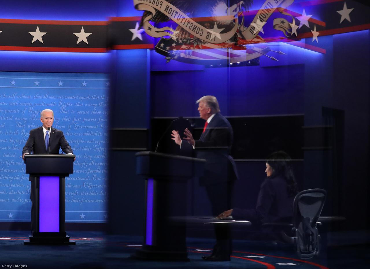 A 2020-as elnökválasztási kampány egyik legemlékezetesebb pillanata az első elnökjelölti vita volt, amely a felek hevessége miatt olyannyira eldurvult, hogy az Elnöki Viták Bizottsága új szabályok létrehozására kényszerült. A második, és egyben utolsó forduló már jóval civilizáltabb keretek között zajlott. Trump a viták során sem ítélte el a szélsőjobboldali szervezeteket, illetve hangoztatta a szavazás tisztességével kapcsolatos kételyeit, amelyek előre vetítették a választás utáni magatartását annak eredményeivel szemben.