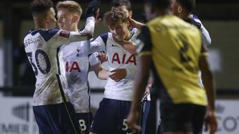 Történelmi gól és sima Tottenham továbbjutás az FA-kupában