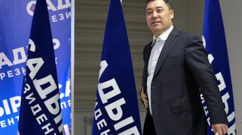 Nagy többséggel nyert Szadir Zsaparov a kirgiz elnökválasztáson