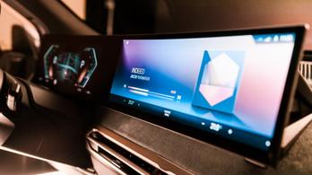 A BMW is óriáskijelzős fedélzeti rendszerre vált