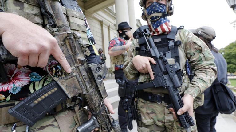 Szükségállapot Washingtonban, fegyveres szélsőségesek tüntetésére számítanak