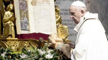 A kánonjog szerint is végezhetnek liturgikus szolgálatokat a nők