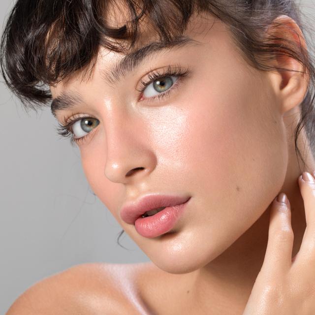 A leghasznosabb hatóanyagok a bőrápolásban, amit kevesen ismernek: a niacinamidtól az azelainsavig