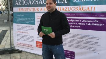 Felfüggesztette a Jobbik az orosz pénzen Afrikába látogató Szabó Balázs párttagságát