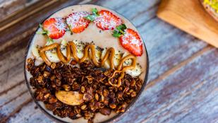 Almás-mogyoróvajas zabkása – édes reggeli, ami nem dobja meg a vércukorszinted