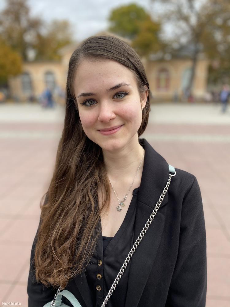 Ez a 21 éves fiatal nő Jana Leonhardt pszichológushallgató