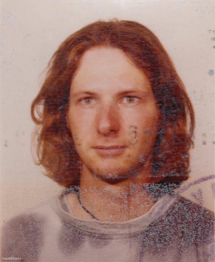 Ő Peter Heinrich, akibe Jana Leonhardt szerelmes lett a YouTube-on keresztül