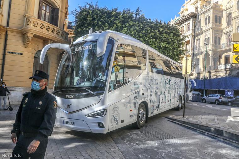 Ezzel az autóbusszal gördültek be a Real Madrid játékosai Malagába