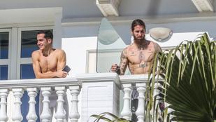 A Real Madrid játékosai kisgatyában napfürdőztek szállodájuk erkélyén