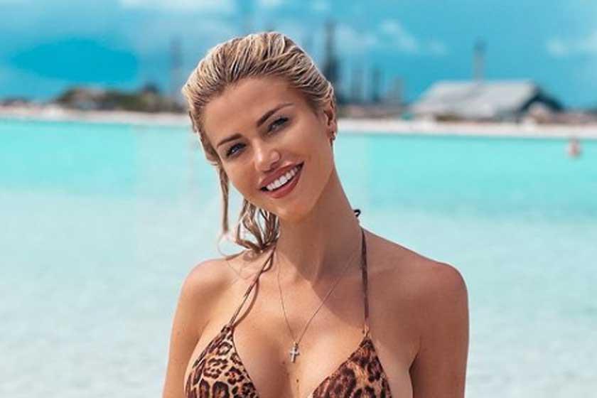 Vasvári Vivi párducmintás bikiniben tarol az Instán - A Karib-tengernél szexi fotókon pózol