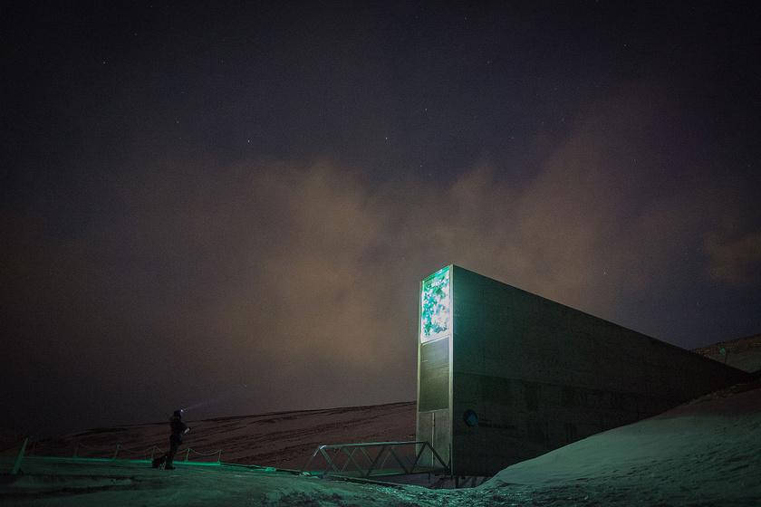 Svalbard Global Seed Vault (23273281972)
