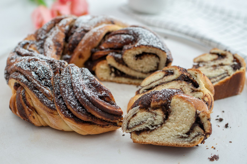 Mennyei csokis babka lengyel recept szerint: mutatós kalács csodaszép fonással