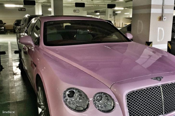 Bentley az autója
