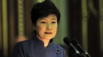 Barátnőjét is bevonta a politikai döntésekbe a volt dél-koreai államfő, most börtön vár rá