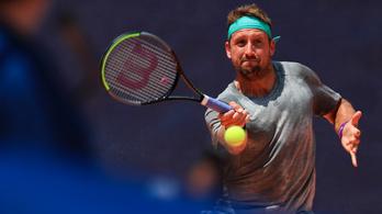 Pozitív vírustesztet produkált a teniszező, mégis elutazott Melbourne-be