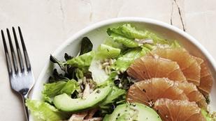 Grépfrútos-pisztáciás reggeli saláta – egy kanál mézzel és sópehellyel lesz igazán különleges