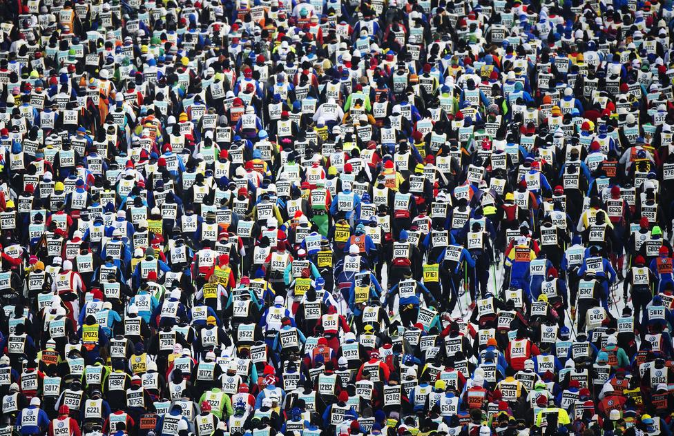 15 800 résztvevő rajtolt el a 88. Vasaloppet hosszútávú sífutóversenyen március 4-én. A Mora falu és Dalarna városi közti 90 kilométeres szakaszon megrendezett versenyt hagyományosan minden március első vasárnapján indul.