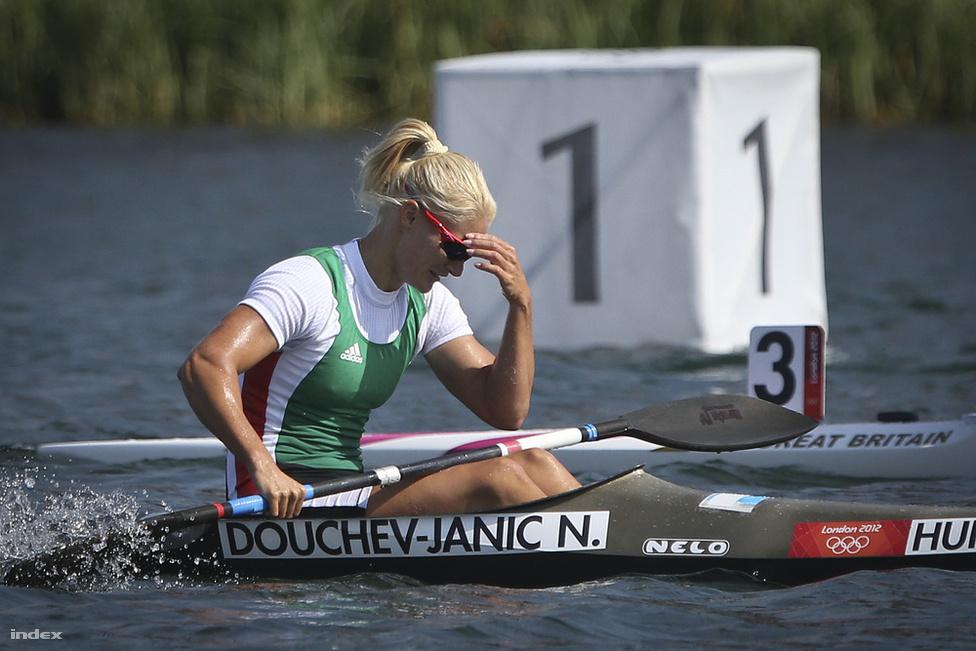 Az olimpián bőven túlnyúló Janics-ügy gyujtópontja talán az olimpiai kudarc volt, a Pekingben és Athénban győztes kajakos idén egyetlen számban sem nyert, Kovács Katalinnal ezüst-, egyéniben bronzéremig jutott. Janics az év végén távozott Magyarországról, és szerb színekben versenyez tovább.