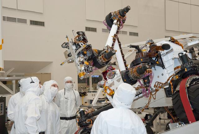 A Curiosity tesztelése a NASA Mars-kutató laborjában
