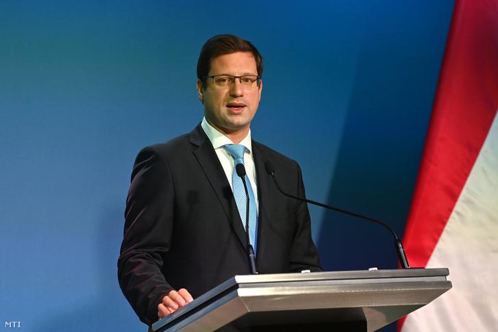 Gulyás Gergely, a Miniszterelnökséget vezető miniszter egy korábbi Kormányinfón