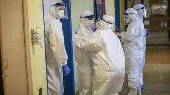 Vakcinabotrány Csehországban: lemondott a közegészségügyi intézet vezetője