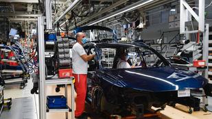 Csaknem 9700-al kevesebb jármű gördült le tavaly az Audi győri gyártósoráról