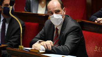 Franciaországban szigorítják az éjszakai kijárási tilalmat
