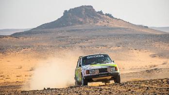 Két cseh egy majd' 40 éves Škodával ment végig a Dakaron